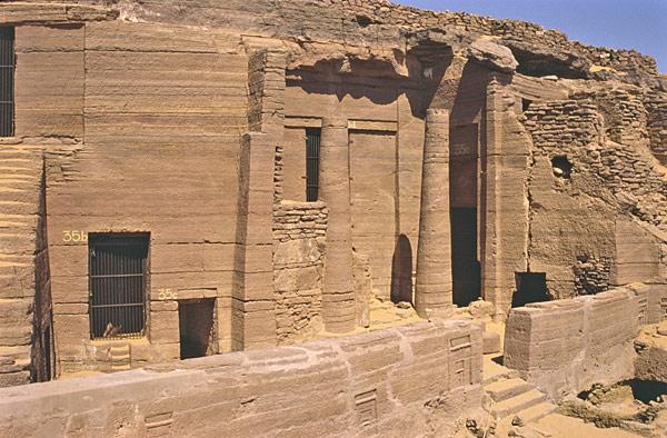 Assouan : tombe de Sarenpout