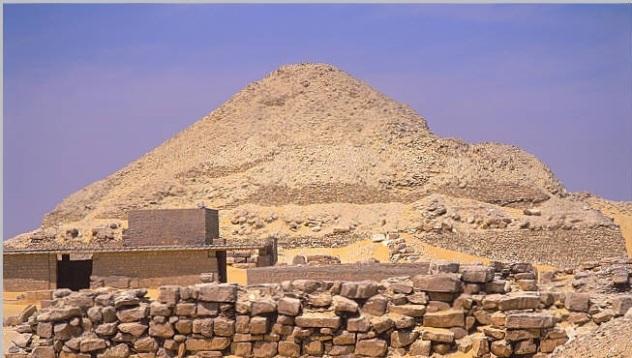 pepi II pyramid temple_640