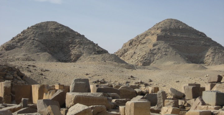 Pyramids_of_Nyuserre_Ini_and_Neferirkare