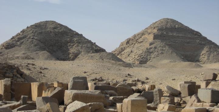 Pyramids_of_Nyuserre_Ini_and_Neferirkare