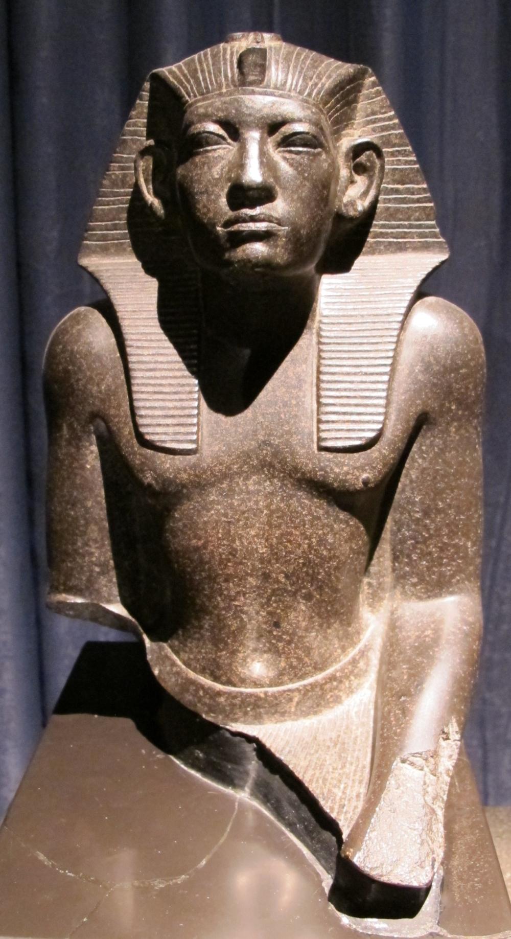 Amenemhet_III,_basalto,_seconda_metà_del_XIX_sec._ac._02