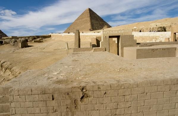 2017.7.80 P der Manuelian - Sphinx temple (giza archives dot org)
