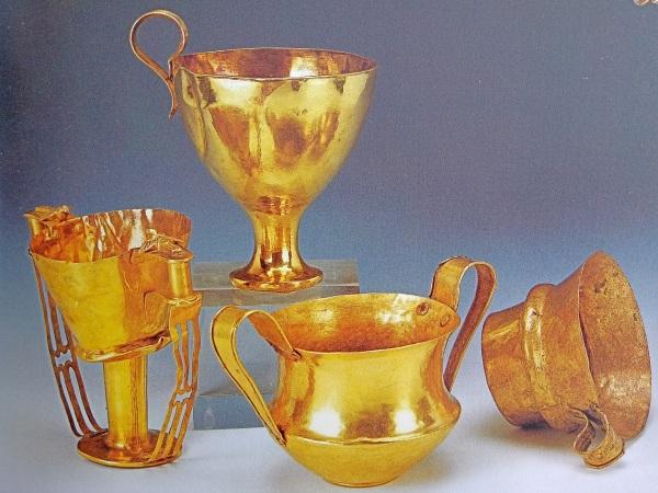 102. Mycenae gold.jpg
