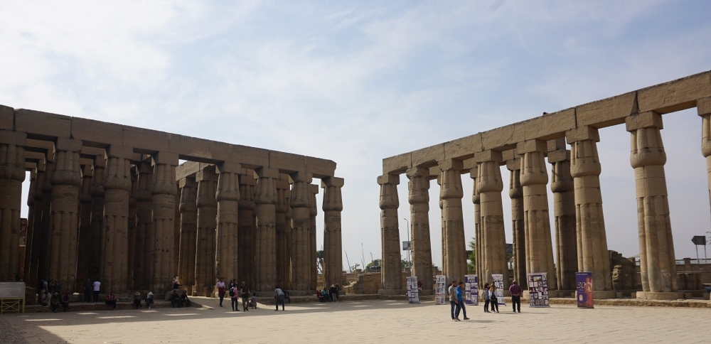 D18-AmunhotepIII-1-Court (1)