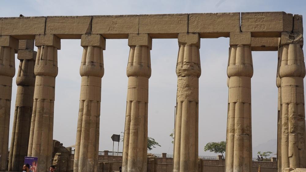 D18-AmunhotepIII-1-Court (2)