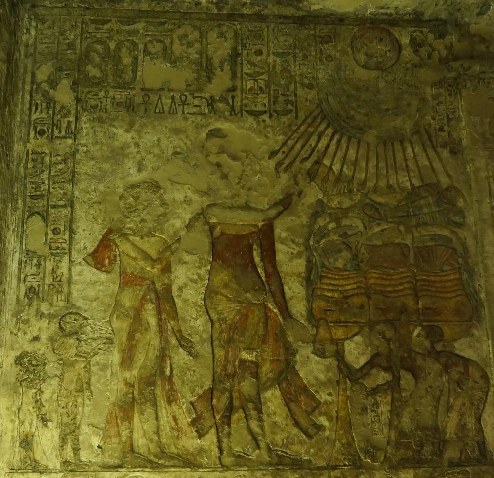 123. Akhenaten and daughters (dominic) (4)